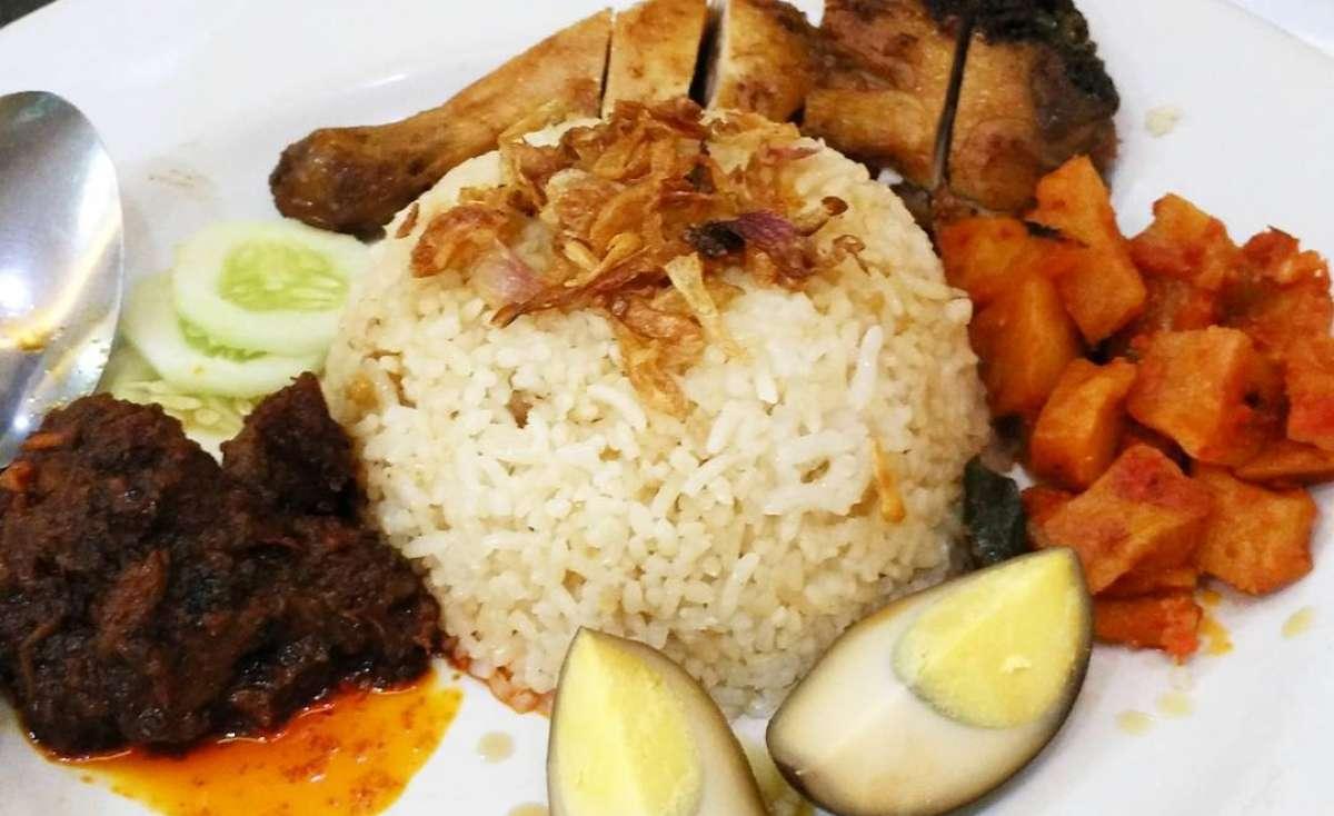 Nasi Ayam Apin Cb Sumatera